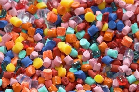 Pellets for Plastic deformulation, or reverse engineering